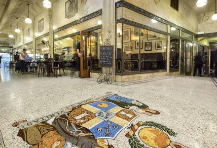 1932 Cafe Restaurant Arcade